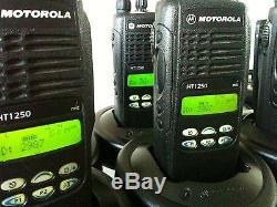 (4) MOTOROLA HT1250 VHF 136-174MHz 128ch two-way radios AAH25KDF9AA5AN CP XTS