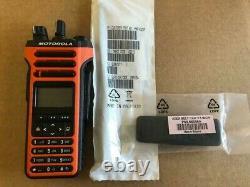 APX4000XH radio 800/900 MHz, full key pad, orange color