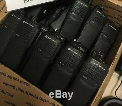 MOTOROLA HT750 VHF 136-174MHz 16ch 5watt TWO WAY PORTABLE RADIO AAH25KDC9AA3AN