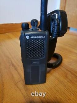 MOTOROLA PR860 LOW BAND 29-42MHz 16 CHANNEL TWO WAY RADIO WITH MIC