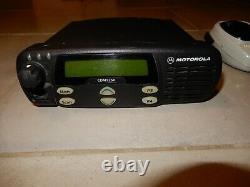Motorola CDM1250 VHF 45 Watts 64 Ch 136-174 Mhz 2 Way Radio AAM25KKD9AA2AN & Mic