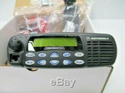 Motorola Cdm1550ls Vhf 160 Channel 1-45w With New Accessories Aam25kkf9dp6an