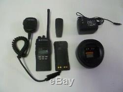 Motorola HT1250 136-174 MHz VHF Two Way Radio w Charger & Mic AAH25KDF9AA5AN