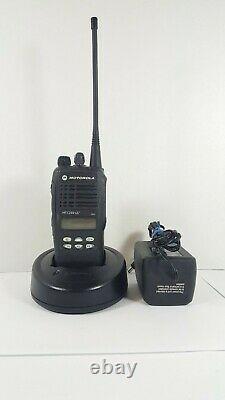 Motorola HT1250 LS+ 450-512 MHz UHF AAH25SDH9DP7AN TWO WAY RADIO & ACCESSORIES