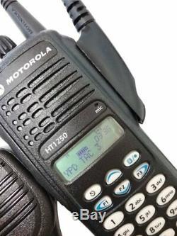 Motorola HT1250 Two Way Radio UHF 403-470 MHz Full Keypad MDC1200 AAH25RDH9AA6AN
