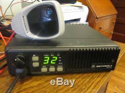 Motorola MAXTRAC 16 PIN VHF 45W Mobile Radio D43MJA7DA5CK with Microphone