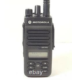 Motorola MOTOTRBO XPR3500e UHF 403-512 MHz DMR Two Way Radio AAH02RDH9VA1AN XPR
