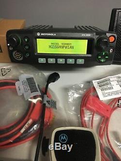 Motorola XTL2500 UHF R2 450-520mhz P25 Digital mobile radio M21SSM9PW1AN Dash