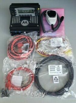 Motorola XTL5000 VHF 136-174mHz remote O5 head with Accessories