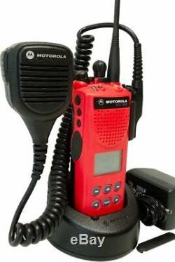 Motorola XTS3000 Model II 800 MHz Digital Two Way Radio Smartzone H09UCF9PW7BN