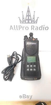 Motorola XTS3000 Model II UHF 450-520MHz S-split Two Way Radio with charger