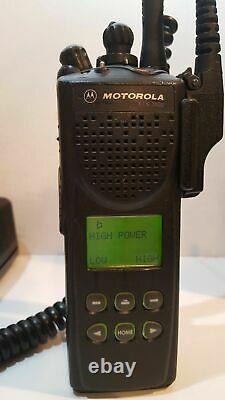 Motorola XTS3000 UHF 403-470 MHz Digital IMBE Smartzone Omnilink XTS 3000 Radio