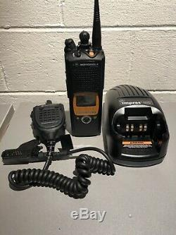 Motorola XTS5000 700/800mhz P25 9600 Digital, AES, with New Commander Mic, Charger